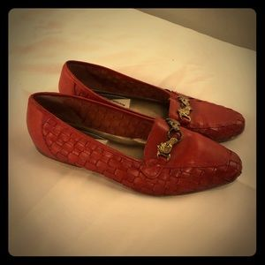 VNTG RED HORSE PENDANT LOAFERS